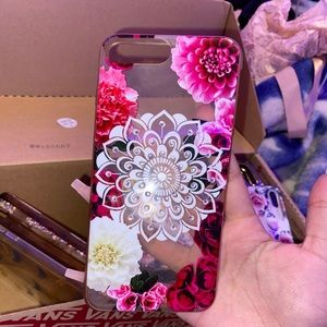I'm selling this flower case with rhinestones